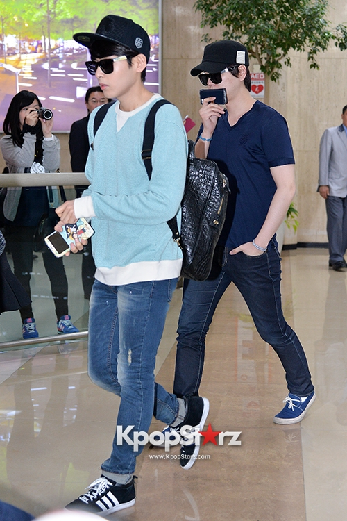 super-junior-m-at-gimpo-international-airpor-after-attending-the-2nd-yinyuetai-v-chart-awards